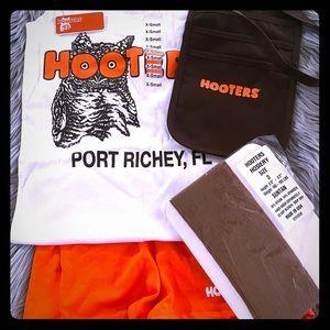 Full Hooters Uniform Set